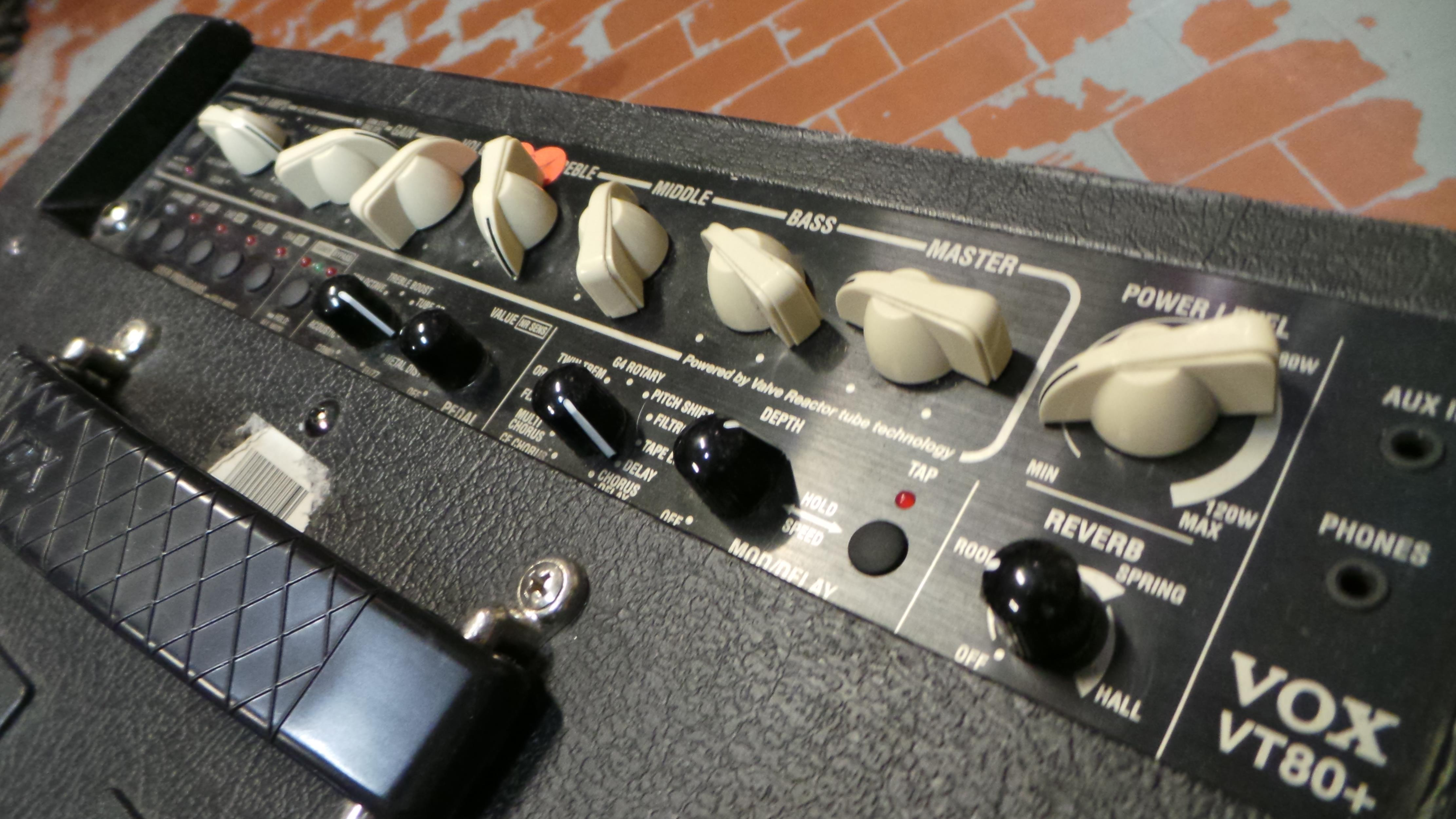 VOX VT 80+ ..