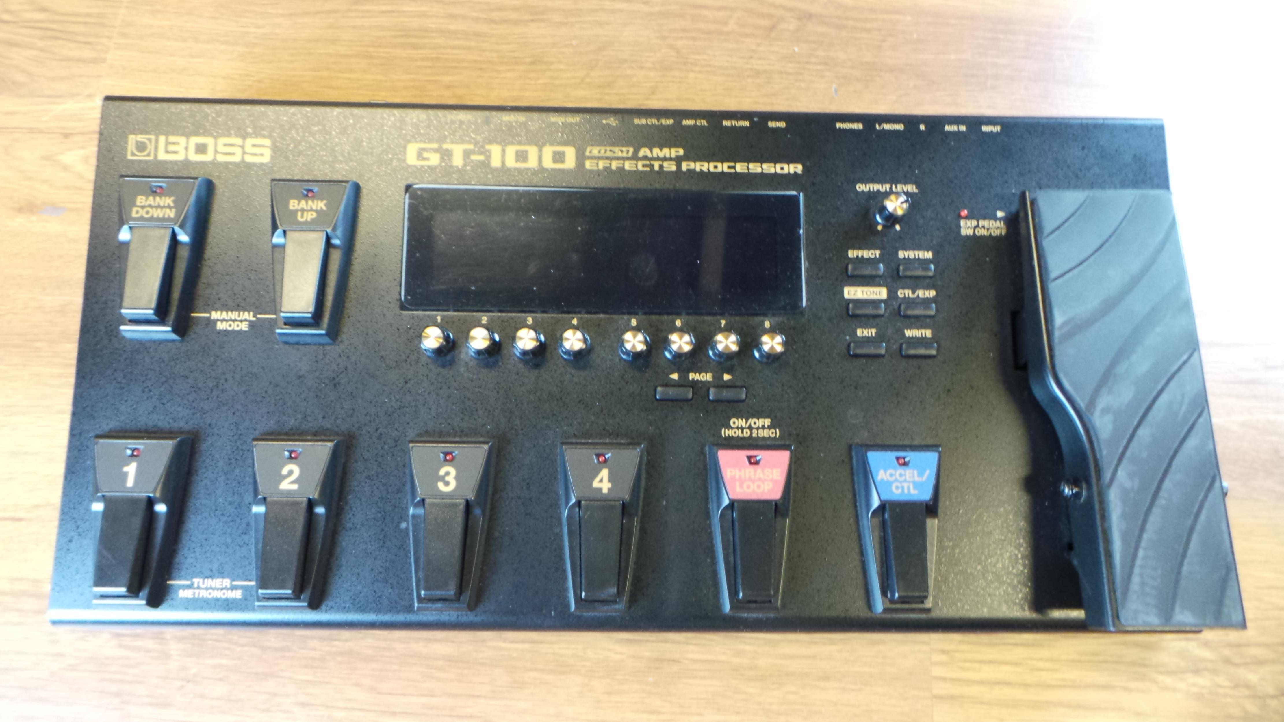 BOSS GT 100 ex demo .