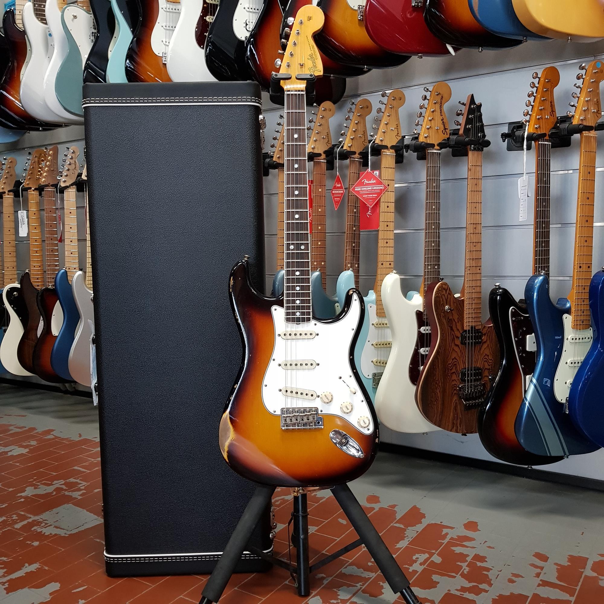 FENDER CUSTOM SHOP 1967 Stratocaster Relic RW Faded 3-Color Sunburst 9235000834