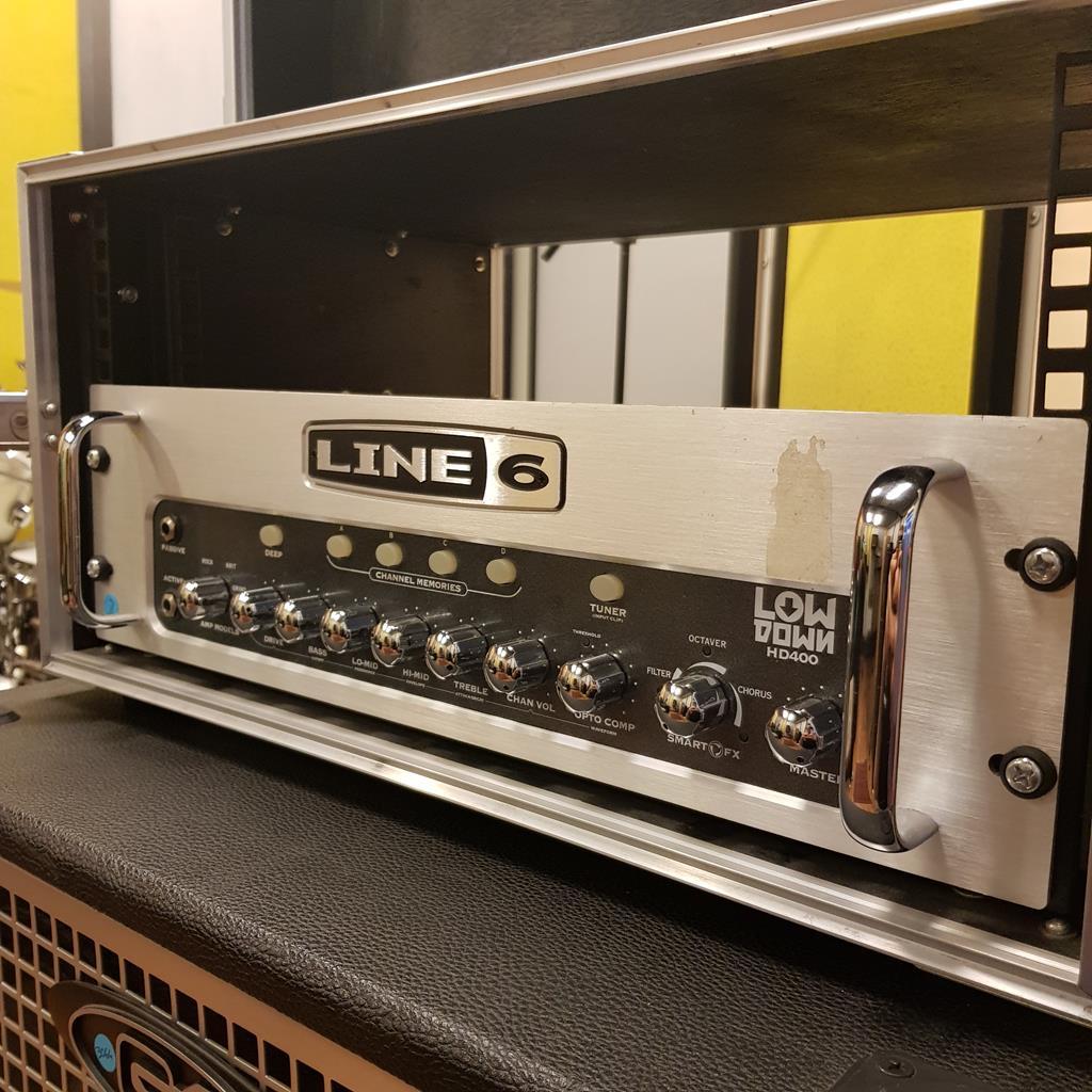 LINE6 LOWDOWN HD400 + CASE