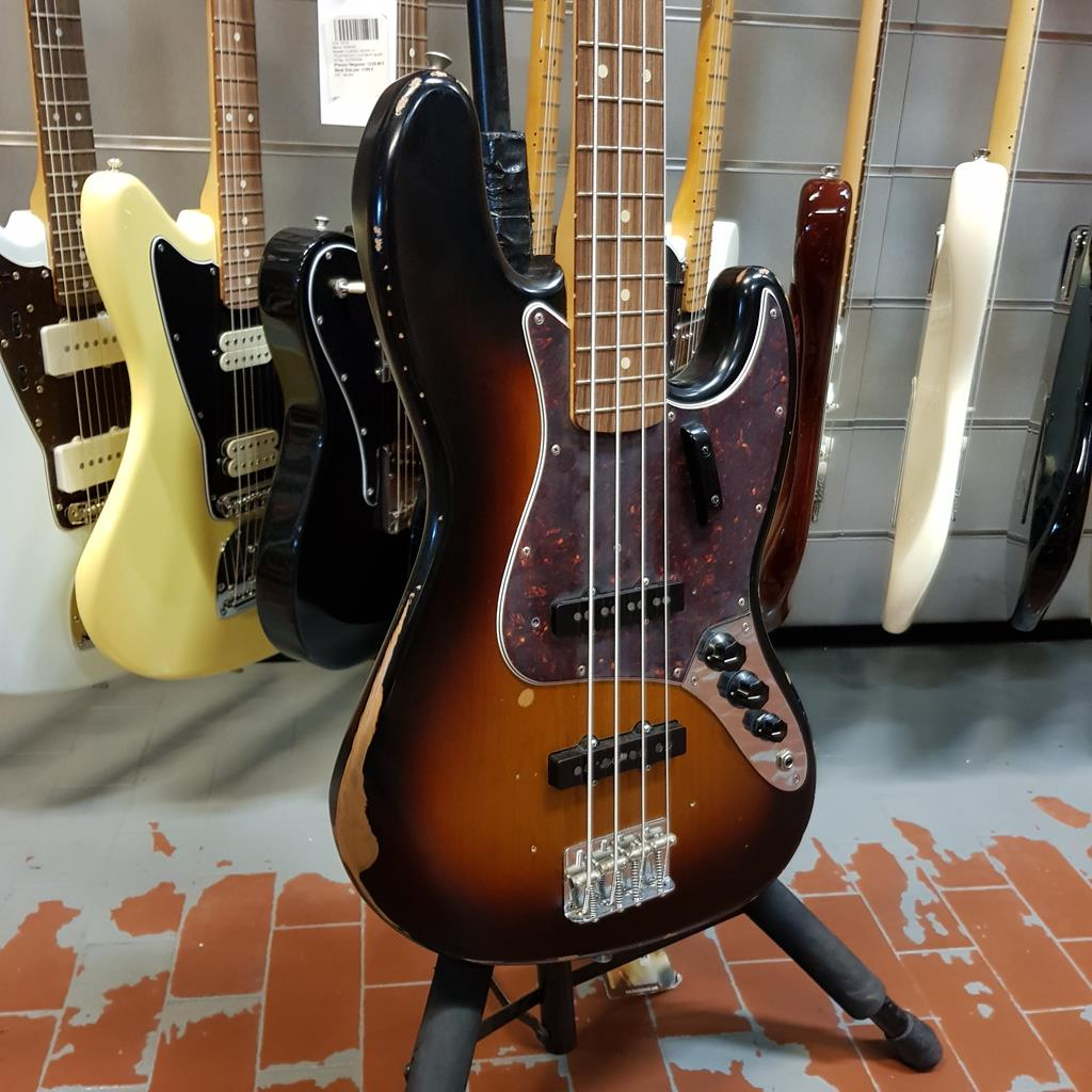 FENDER-ROAD-WORN-JAZZ-BASS-60-sku-1579369116512