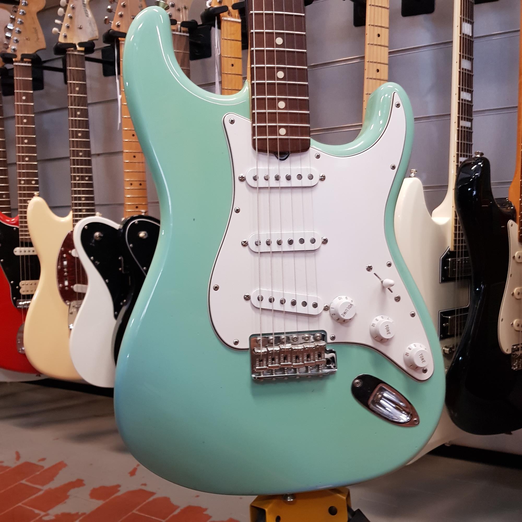 FENDER-1960-STRATOCASTER-NOS-DAPHNE-BLUE-sku-1593874066773