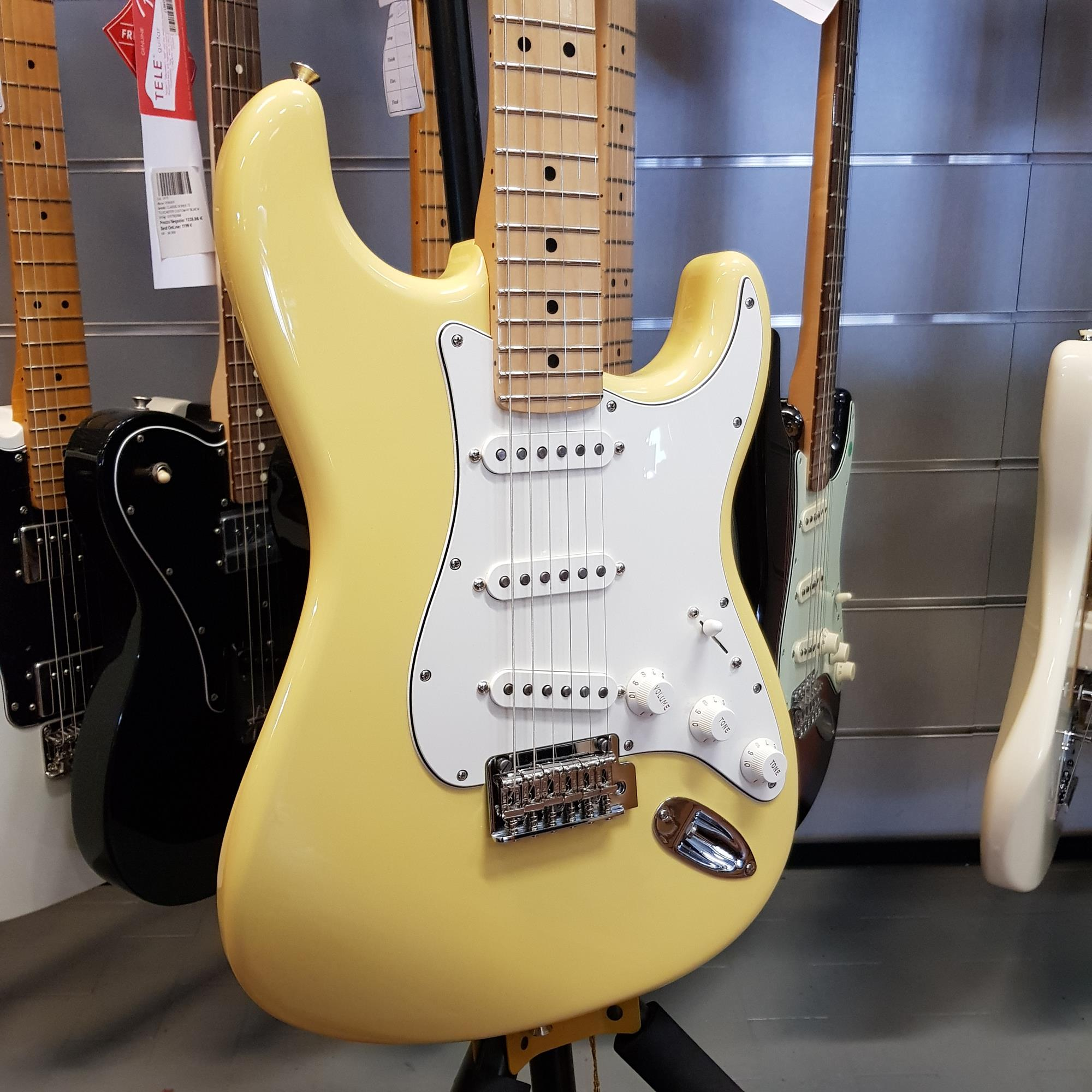FENDER-STRATOCASTER-PLAYER-BUTTERCREAM-sku-1596811274709