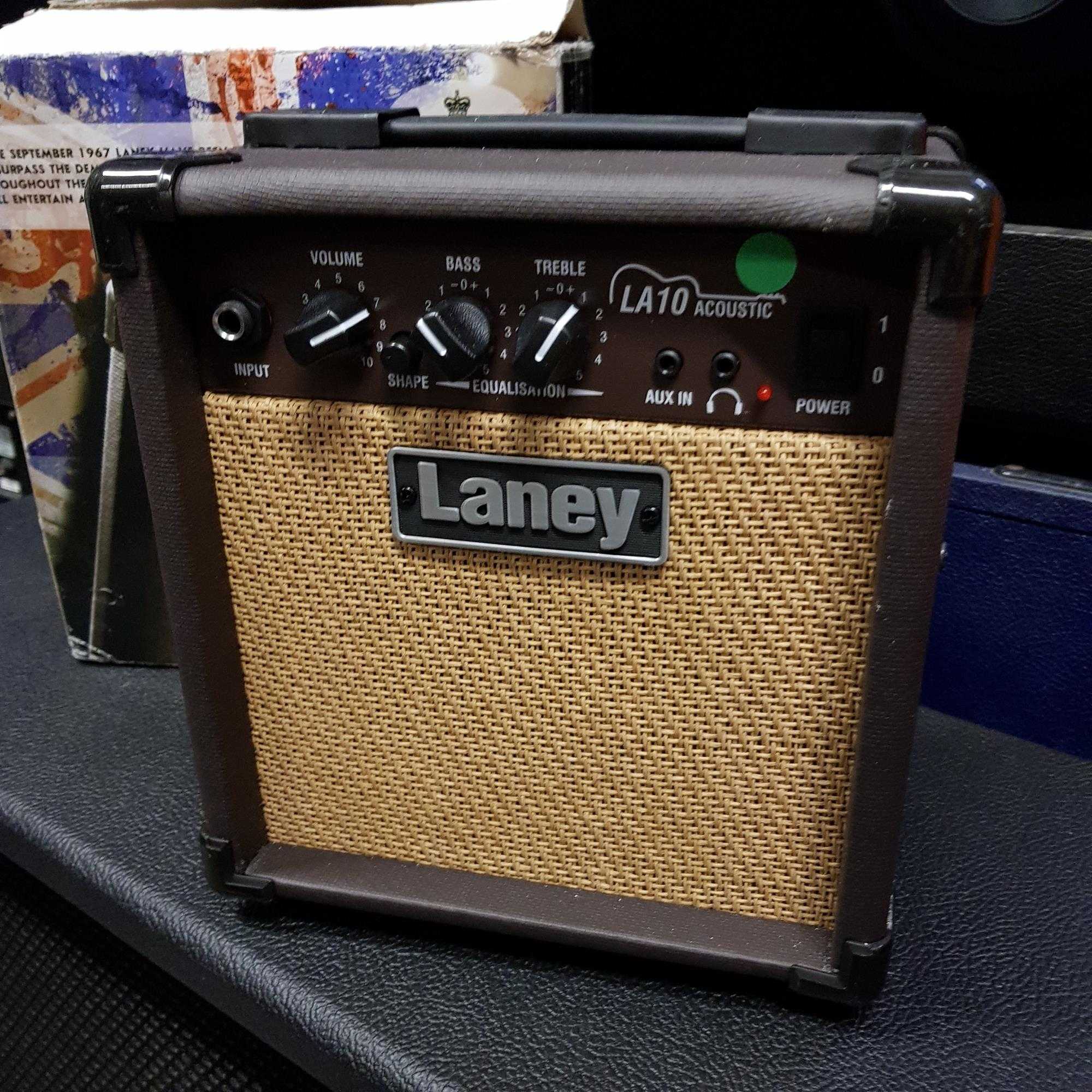 LANEY-LA-10-ACOUSTIC-COMBO-sku-1608368774132