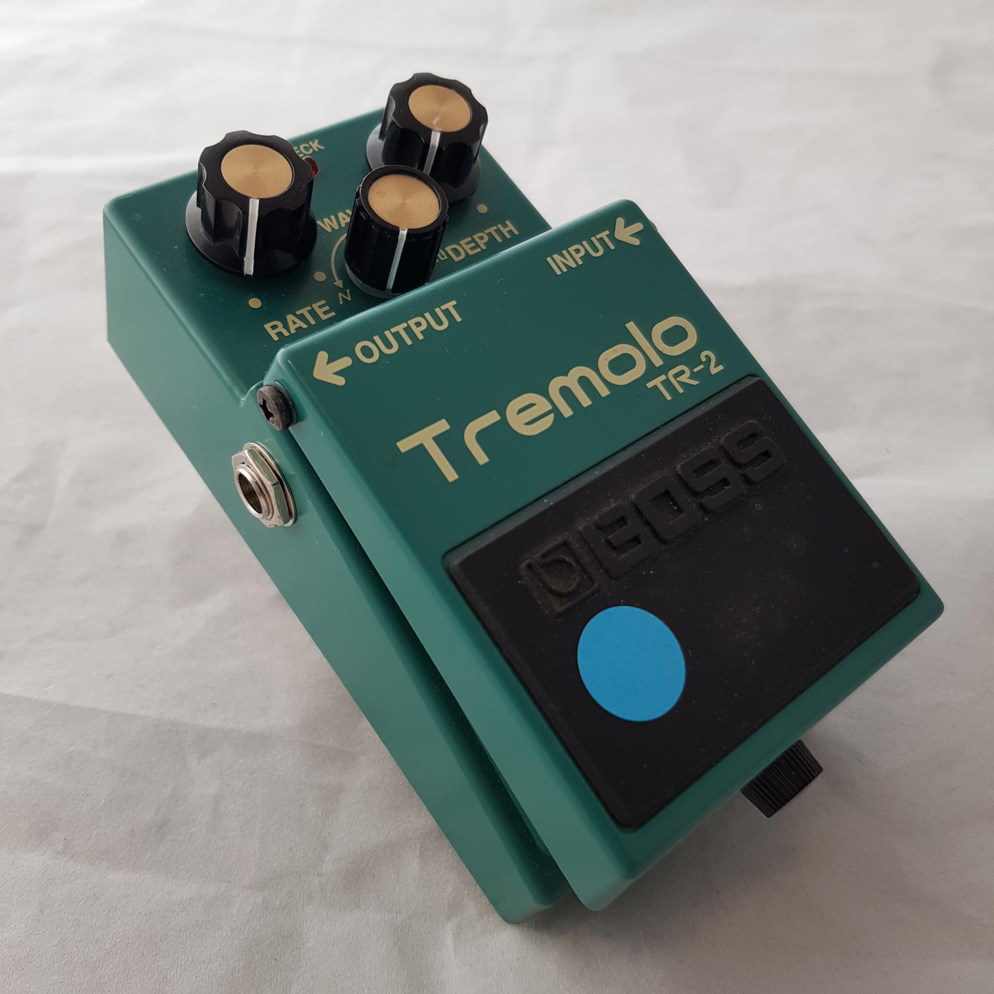 BOSS-TR2-TREMOLO-sku-1634399692132
