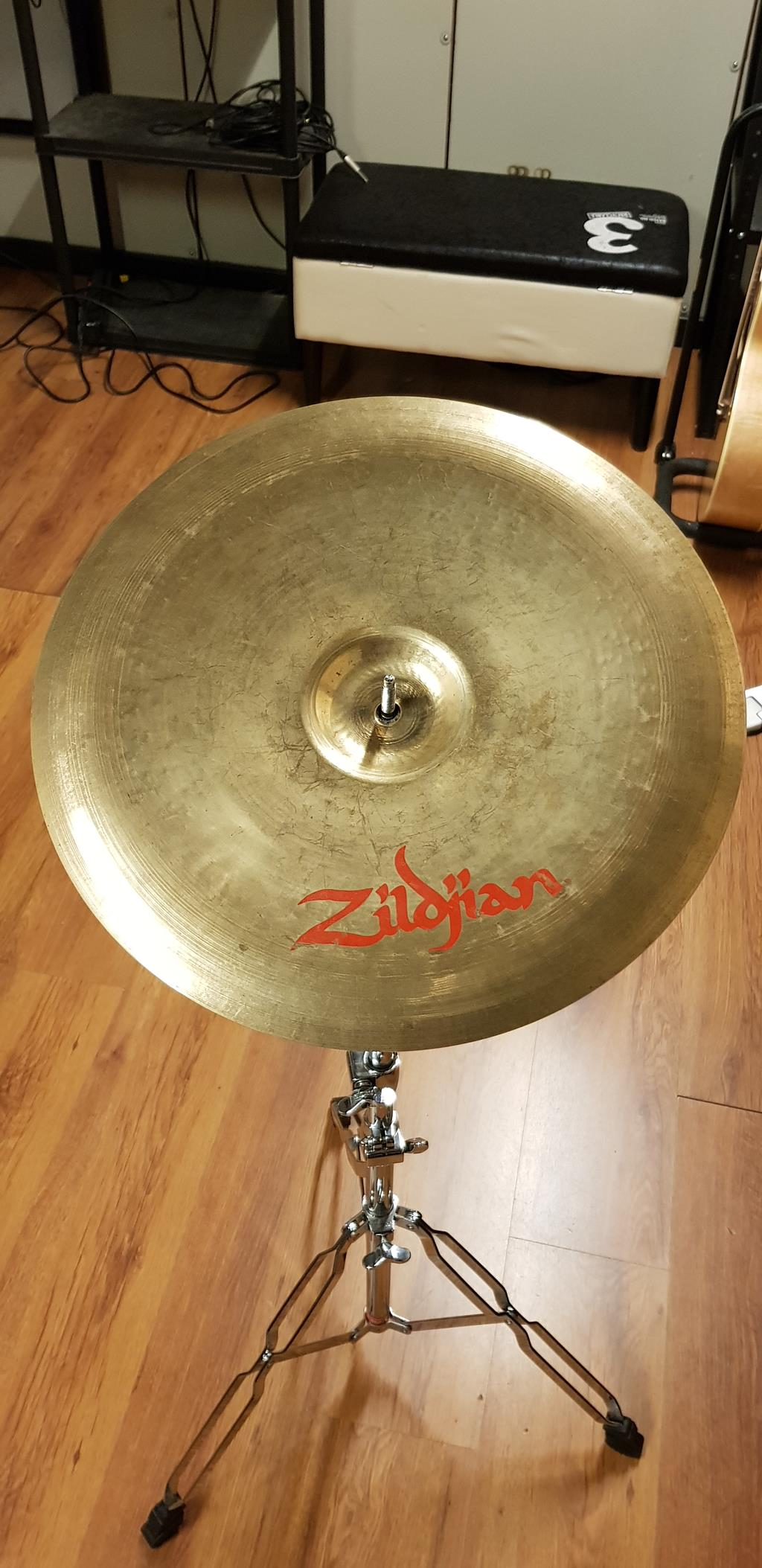 ZILDJIAN ORIENTAL CHINA TRASH 14 .