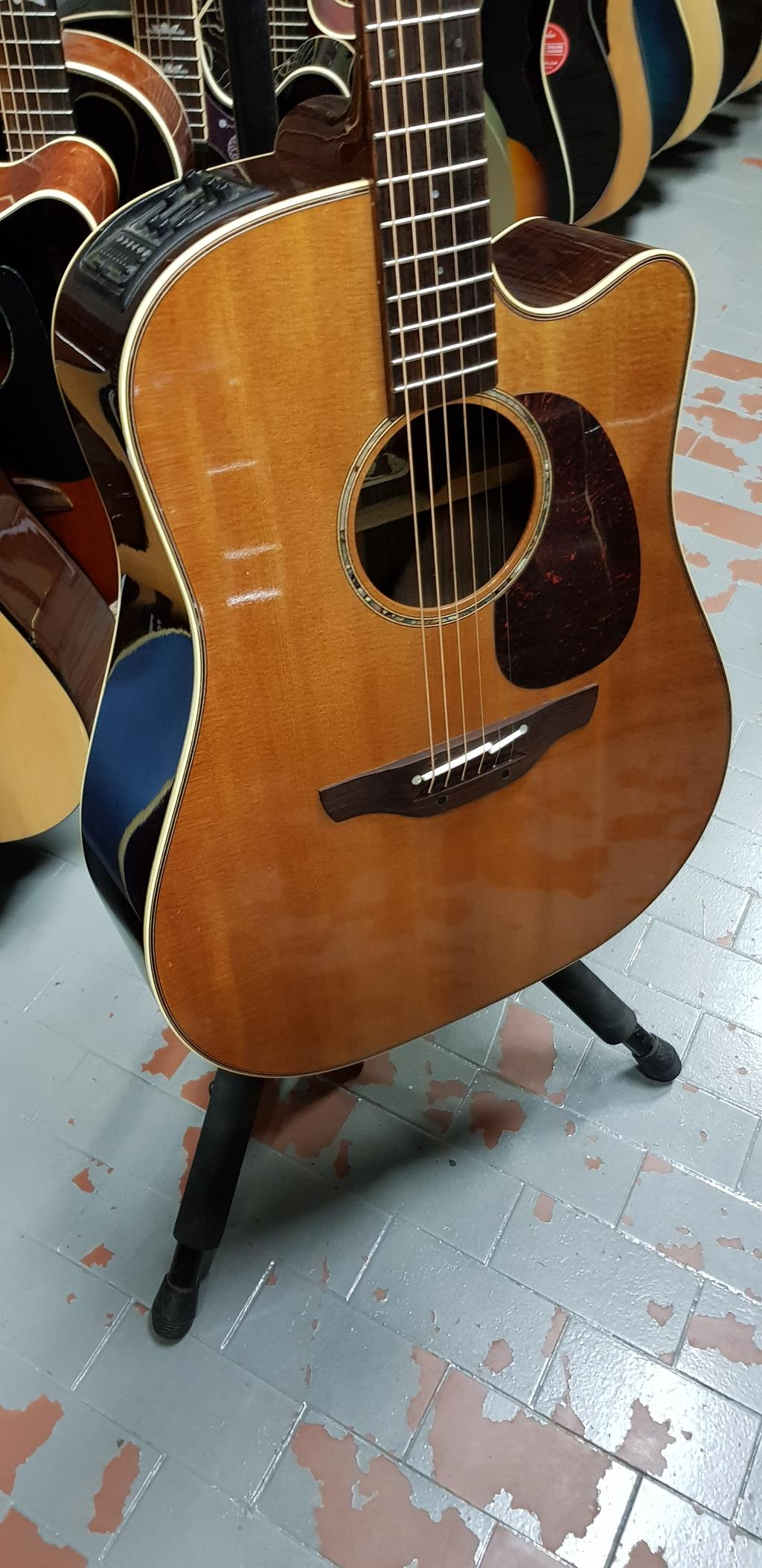 TAKAMINE TAN 16 C natural .