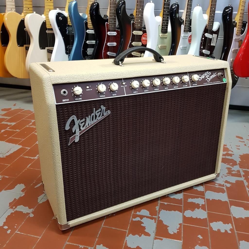 FENDER SUPERSONIC 22 COMBO BLONDE ..