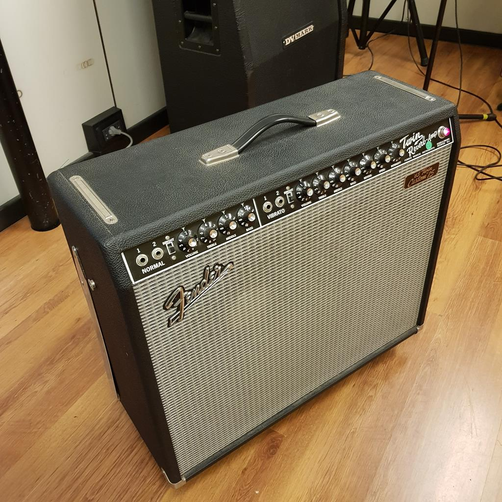 FENDER TWIN AMP 65 CUSTOM 15 .