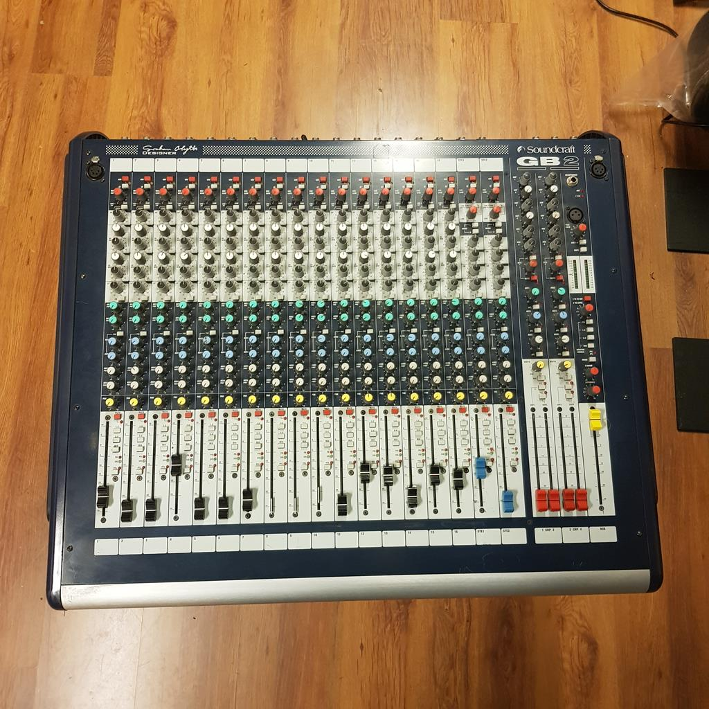 SOUNDCRAFT GB2 16 CHANNEL .