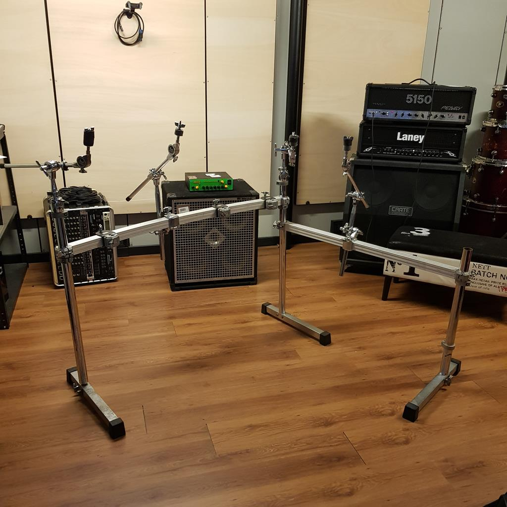 PEARL >RACK + 3 CLAMP TOM + 4 CLAMP PIATTO E 4 ASTE PIATTO